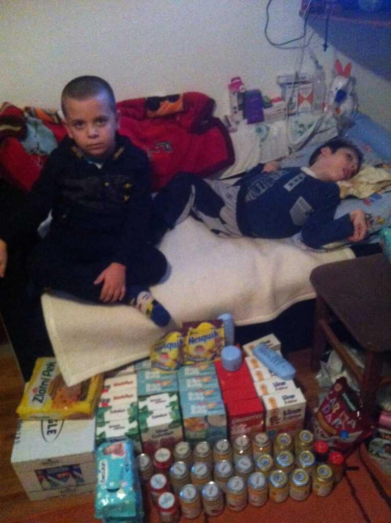 Food supplies for Nemanja Apostolović 1