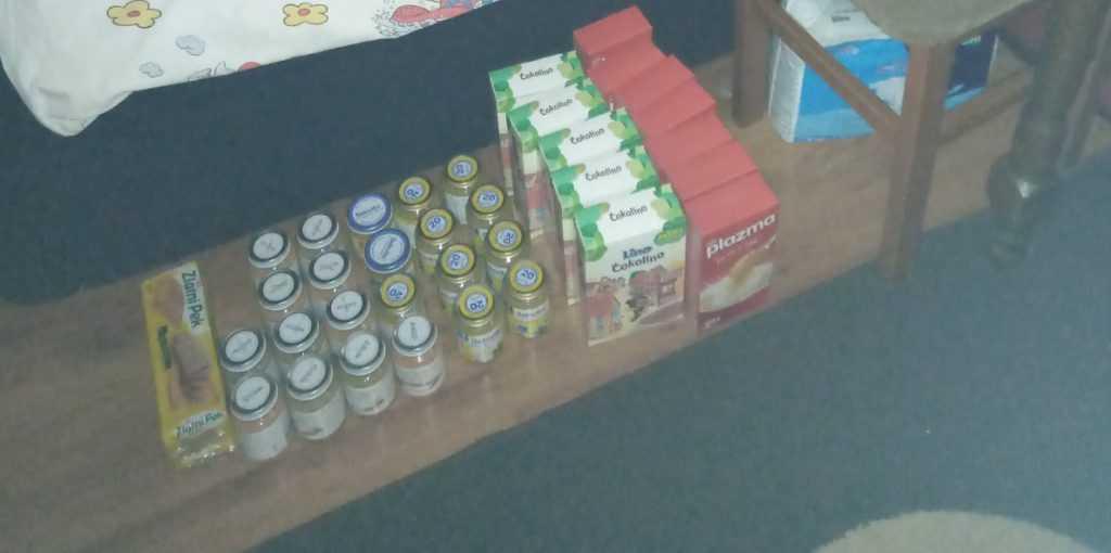 Food supplies for Nemanja Apostolović 3