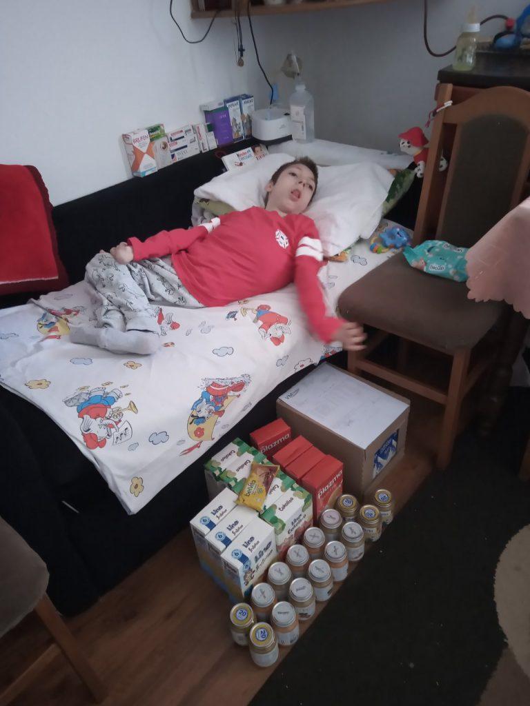 Food supplies for Nemanja Apostolović 2