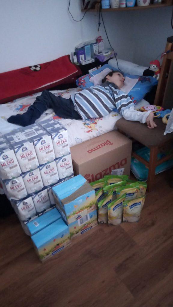 Several monthly supplies of food for Nemanja Apostolović 6