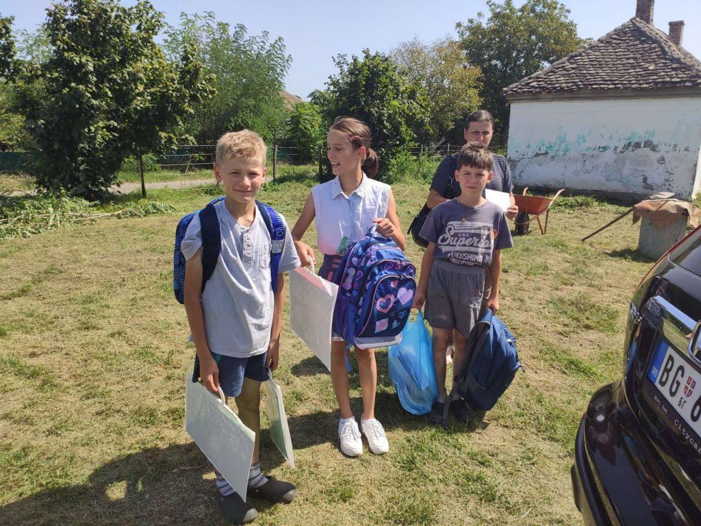 Donacija školskog pribora za porodicu Filimonović 6
