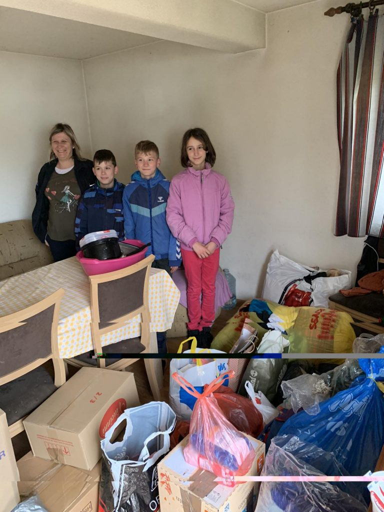 Donating food, clothes and school supplies to the Filimonović family 1
